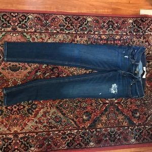 Lightly distressed hollister skinny jeans 1s